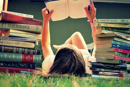 Garota-lendo-um-livro1